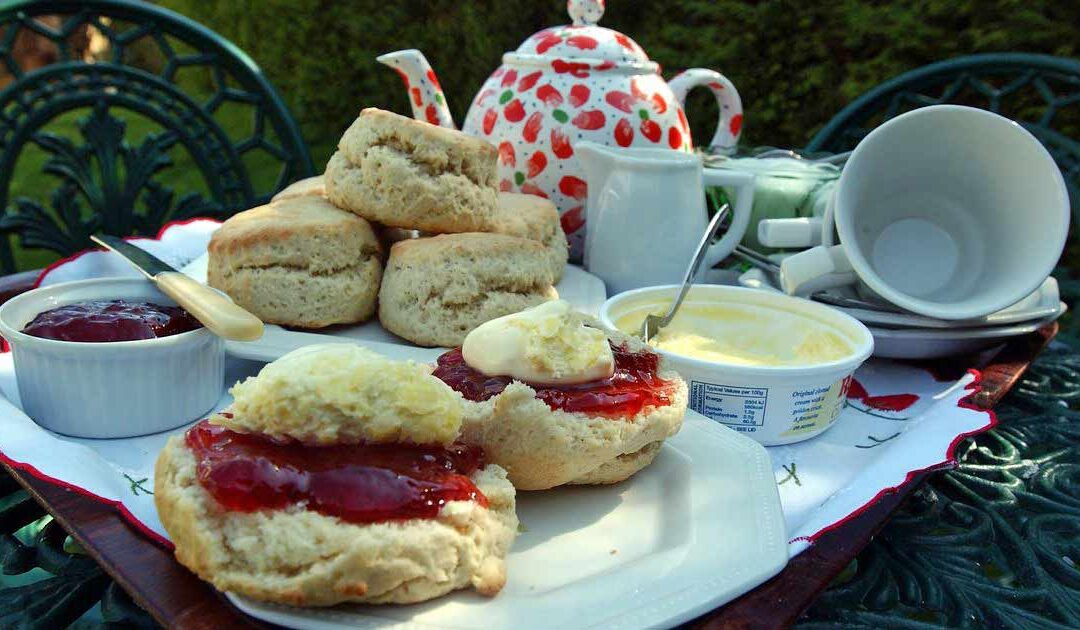 INVITATION TO A CREAM TEA!
